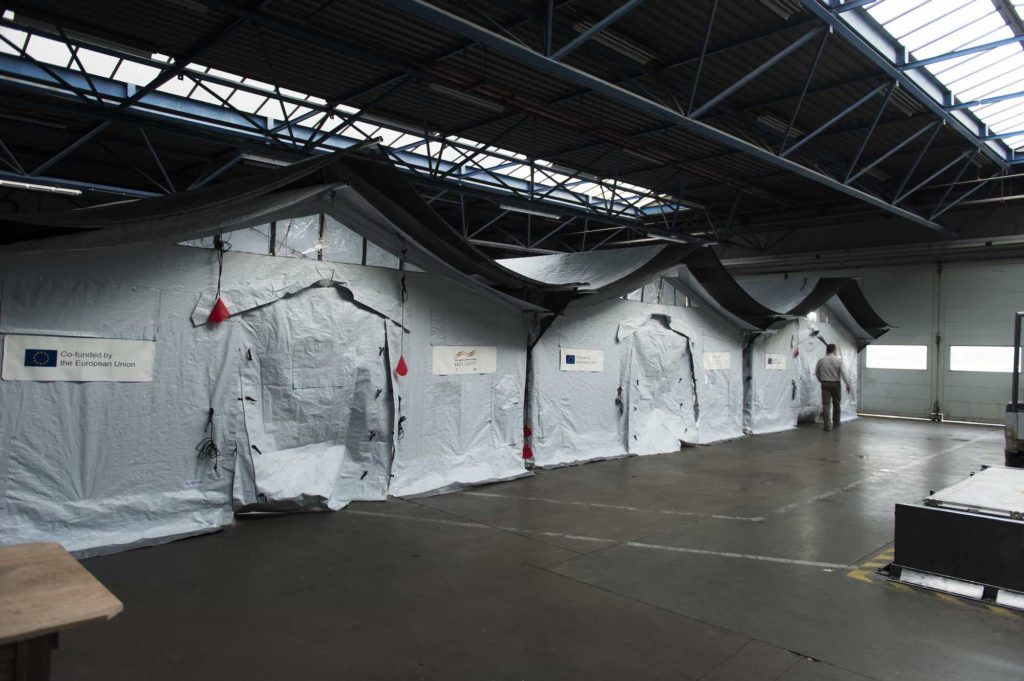Corona-virus_XPERT-tents_warehouse_Alpinter.jpg